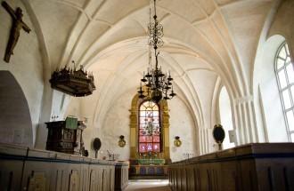 Torsångs kyrka interiör
