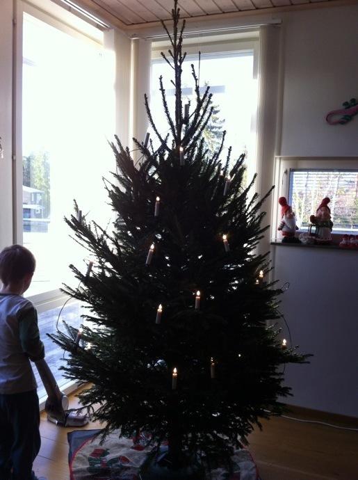 Julgranen klädd-nu är julen här – L som i livet b609fd26dce1a
