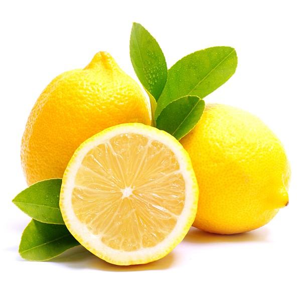dricka varmt vatten med citron på morgonen