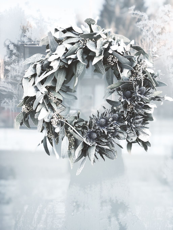 Frostig dörrkrans