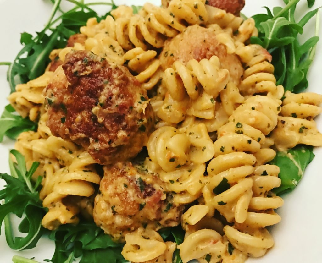 snabb vardagsmat, kyckling pasta, basilika och pasta