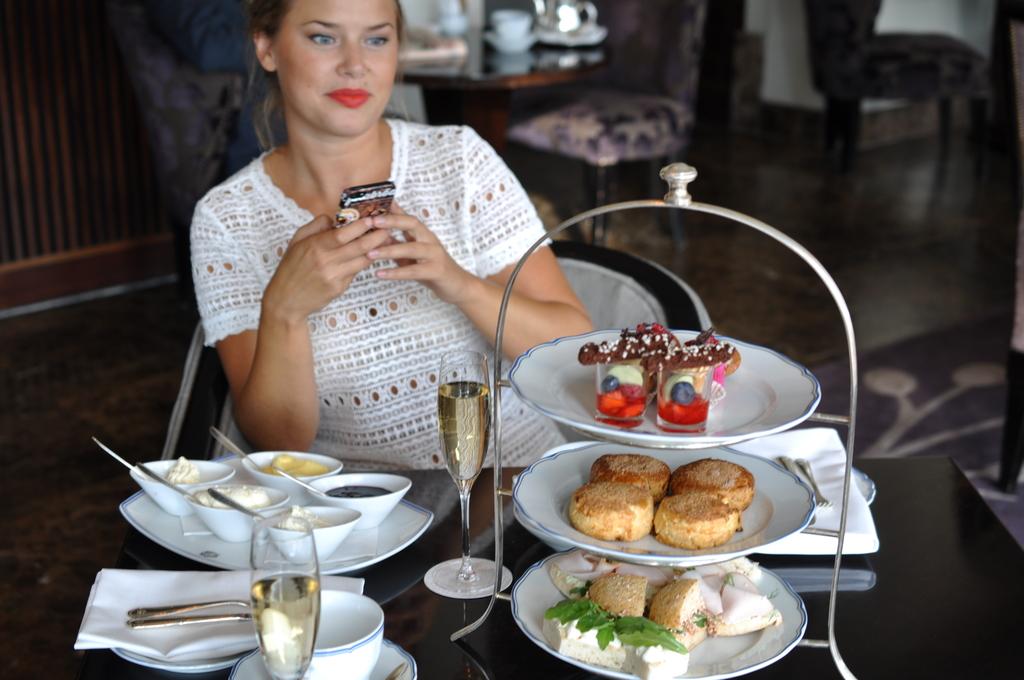 Afternoon tea på grand hotel stockholm
