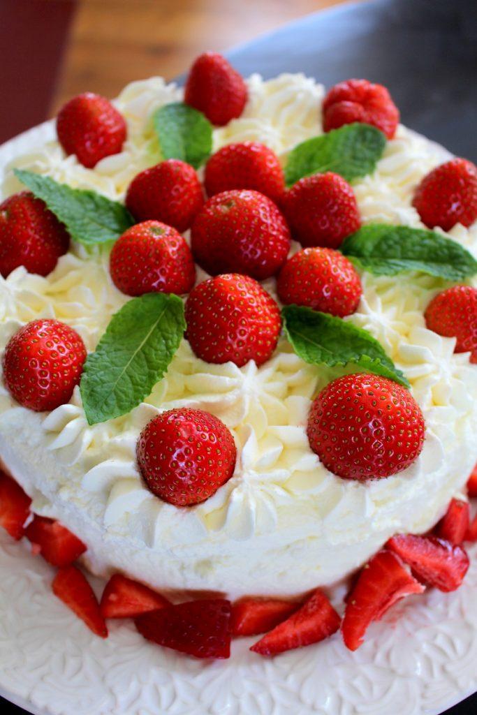 recept_jordgubbstårta