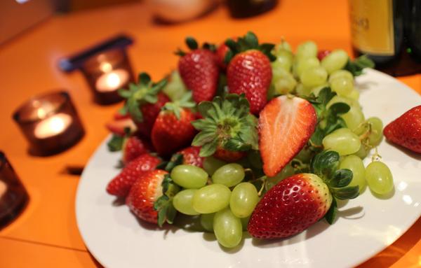 Jordgubbar och vindruvor