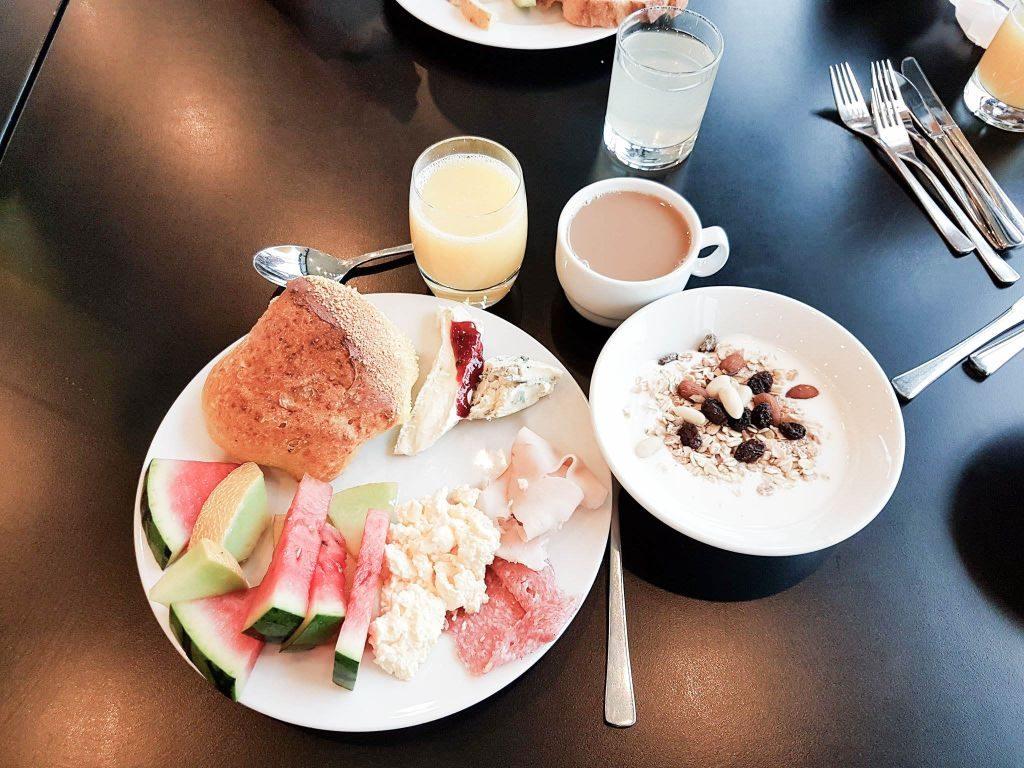 trinity frukost 2