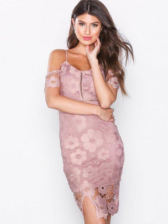 dbc79e7eb041 Denna super fina klänning. Ska nog ha den till sommaren kostar under 200:-