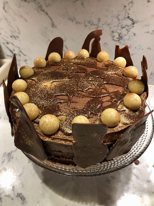 chokladtårta med salt kolasås