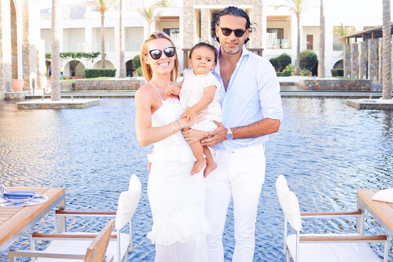 Amanda Pahani med familjen.