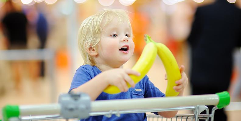 Handla mat med barn - 6 tips som underlättar