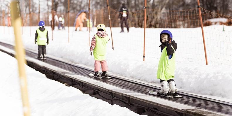 Utomhusaktiviteter för aktiva familjen under sportlovet