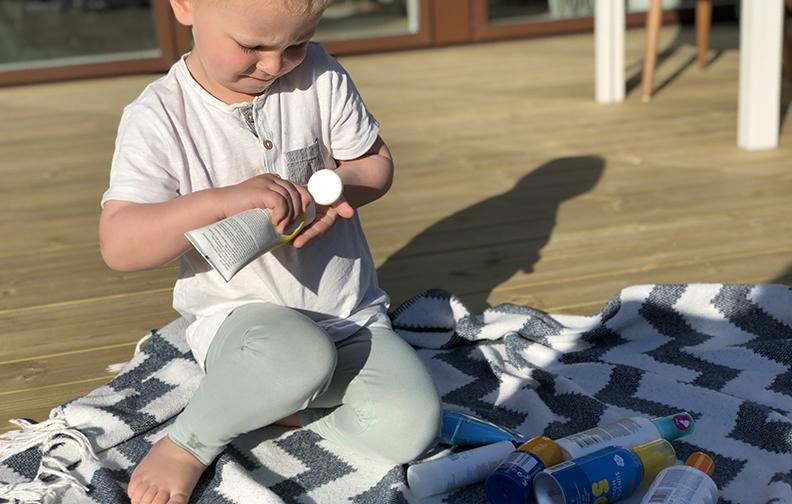 För Sandra Jehrndal och sonen var solkrämen från Eco cosmetics en av favoriterna