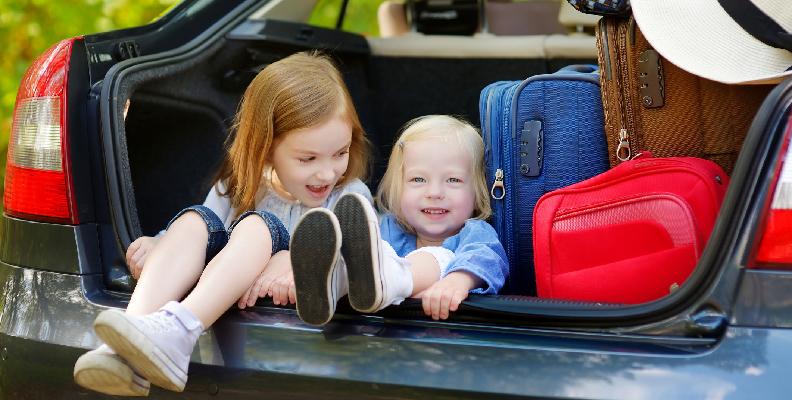 10 tips för att hålla budgeten under semestern med barn